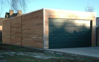 Garage platdak Red-Cedar + sectionaaldeur Landsmeer