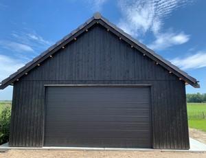 garage-zadeldak---berging-luifel-susteren afbeelding