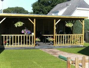 houten-veranda-platdak-oss afbeelding
