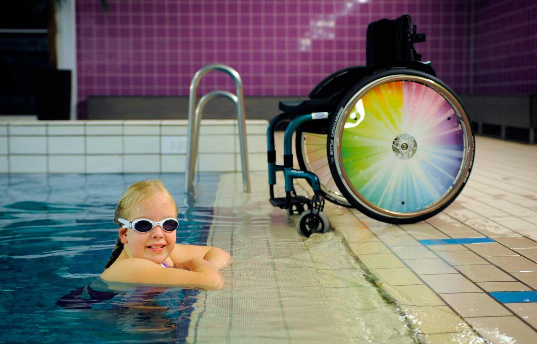 Zwemmen voor mensen met een beperking