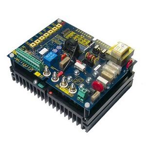 3200i compacte 8A 1 kwadrant DC-regelaar tot 2,2kW, voeding 415Vac. (Geïsoleerd)