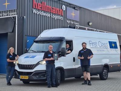 John Deere verlengt met Night Star Express Hellmann